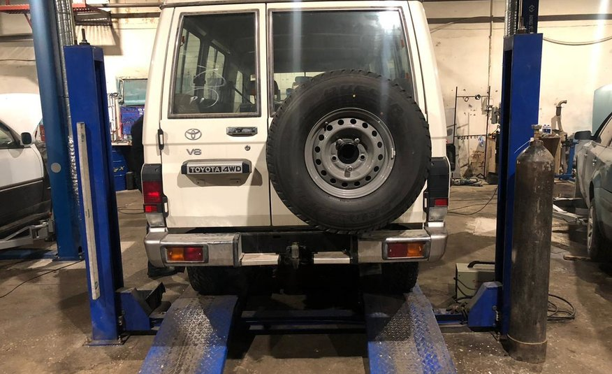LAND CRUISER V8 OIL BRAKES FOR MINE FIELDS 2020